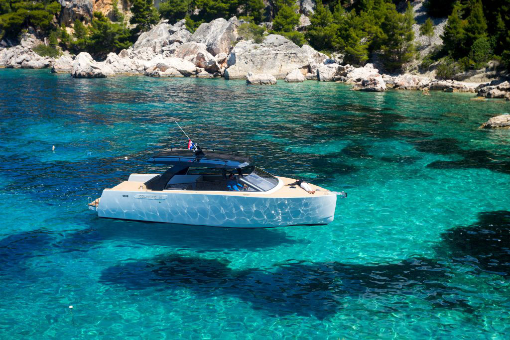 yacht hvar split boat trip day trip sailing croatia